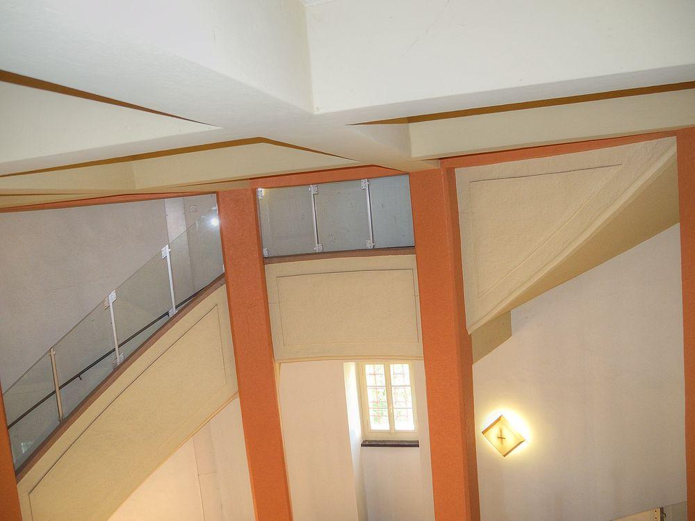 ./Wasserturm-Basel-Bruderholz-Treppenhaus-Unten-3100.jpg